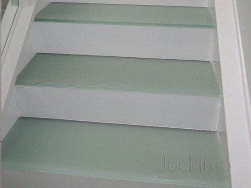 hbresidence glassflooring close